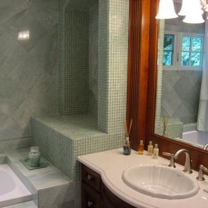 bathroom4_lightbox